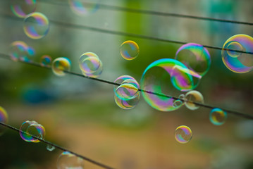 движение мыльных пузырей
