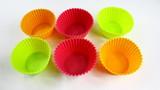 petits moules en silicone colorés poster