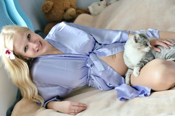 cat and pregnant woman