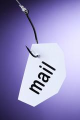 mail mot accroché à hameçon crochet
