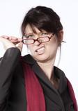 femme entrepreneur critique grinçant des dents poster
