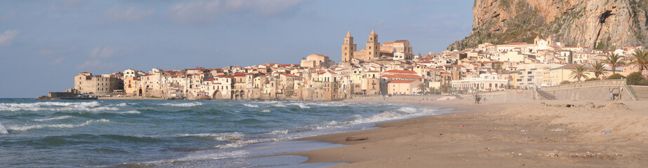 Le village de Cefalù en Sicile