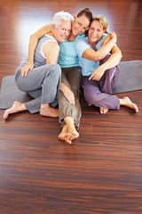 Drei Frauen im Fitnesscenter