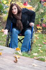 Barrieren für Rollstuhlfahrerin