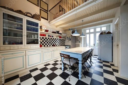 Nuova cucina in vecchio stile arredo stile liberty - Stile liberty mobili ...