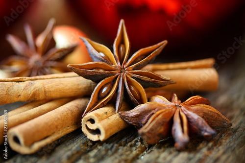 Sternanis und Zimt zu Weihnachten