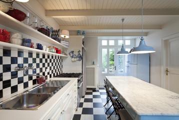 interno di cucina arredata in modo poetico