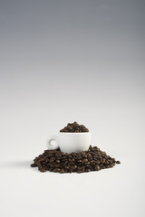 caffè e tazzina verticale