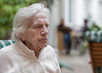 Greisin (92 J.) im Pflegeheim