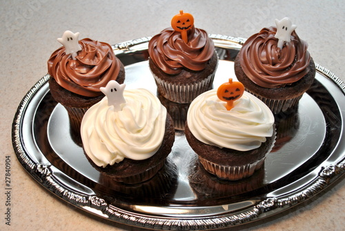 Ghost and Pimpkin Cupcakes