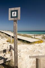 Señal en la playa de Formentera