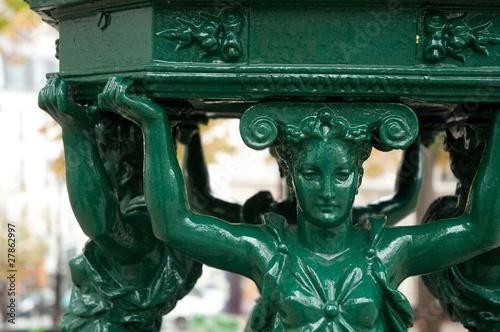 Détail d'une fontaine publique - Paris