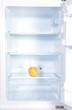 Ein Apfel und ein Ei in einem Kühlschrank :-)