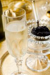 champagne and caviar-champagne caviar