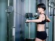 Femme faisant du sport - musculation dorsaux