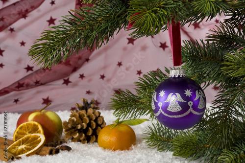 Lila Weihnachtskugel-1