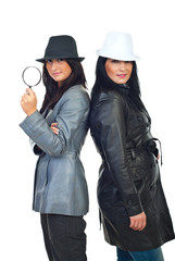 Detectives women with hats