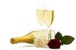 sektgläser mit roter und cremfarbener rose vor flasche sekt