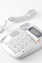 受話器をとった電話機