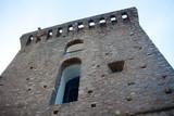 Tour carré au village de Pietracorbara en Corse