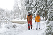 Senioren beim Nordic Walking
