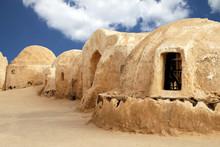 Placer dans le désert tunisien où Star Wars ont été filmés