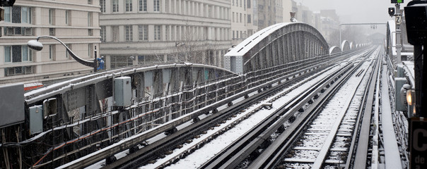 Rails de métro enneigés - Paris
