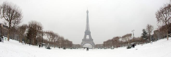 Tour Eiffel sous la neige - Paris