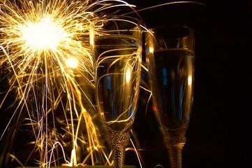IMG_1556_sparklingwine_2x_n_sparkler.jpg
