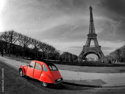 Fridge magnet Tour Eiffel et voiture rouge- Paris