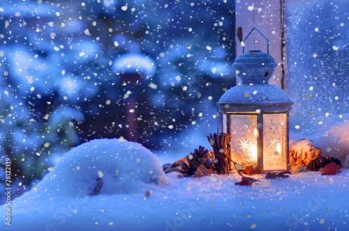 Leinwanddruck Bild Laterne am Winterabend