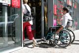 Fototapety Handicap porte piétonne