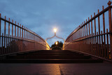 Fototapety pedestrian bridge at night