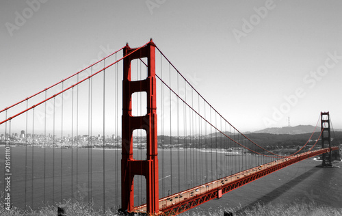 Fotobehang Rood, zwart, wit Golden Gate Bridge