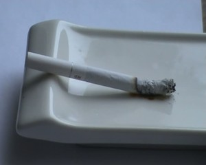 Decaying cigaret