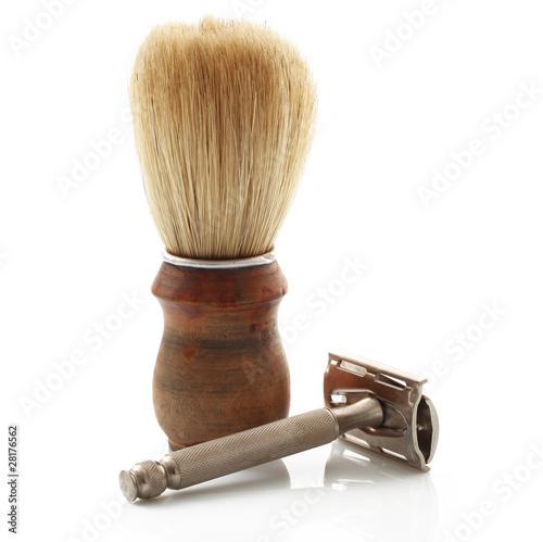 rasoio e pennello da barba