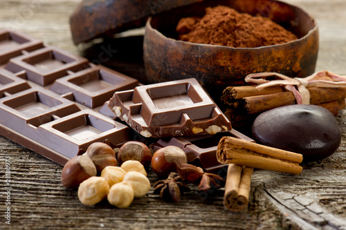 Foto op Aluminium Dessert chocolate with ingredients-cioccolato e ingredienti
