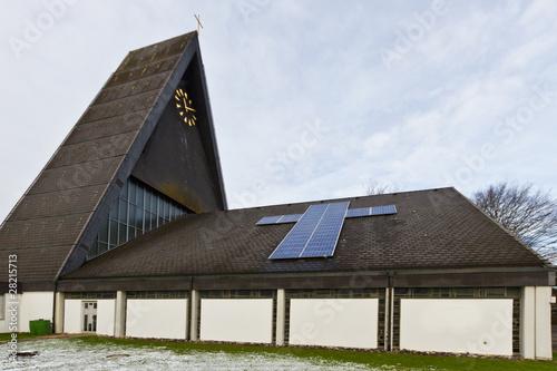 Heiliger Strom, Sonnenenergie auf Kirchendach