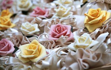 rose e bomboniere
