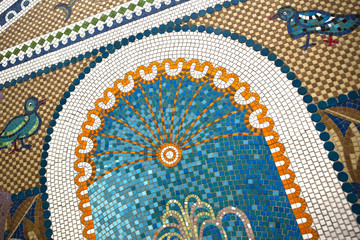 Mosaïque carrelage art fontaine thermal source station