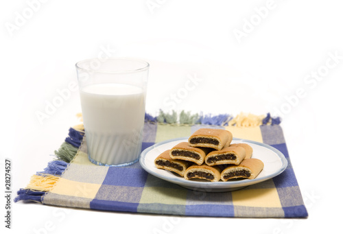 Fig cookies and milk