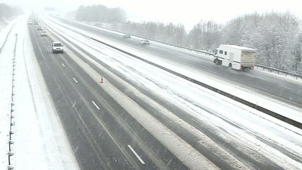Trafic autoroutier perturbé par la neige