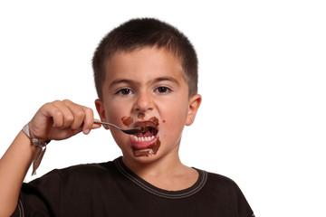 bambino goloso mangia la nutella