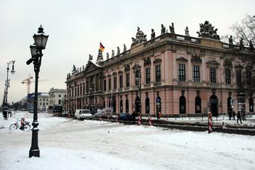 Unter den Linden im Winter_j