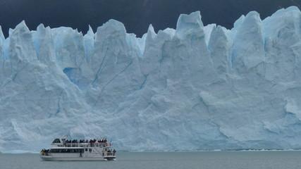 Gletscher mit Boot