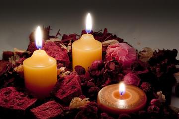 火を灯した蠟燭