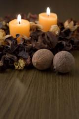 キャンドルと木の実