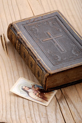 libro cattolico quattro