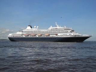 Passagierschiff aus den USA auf dem Rio Negro bei Manaus