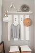 Garderobe warm weiß